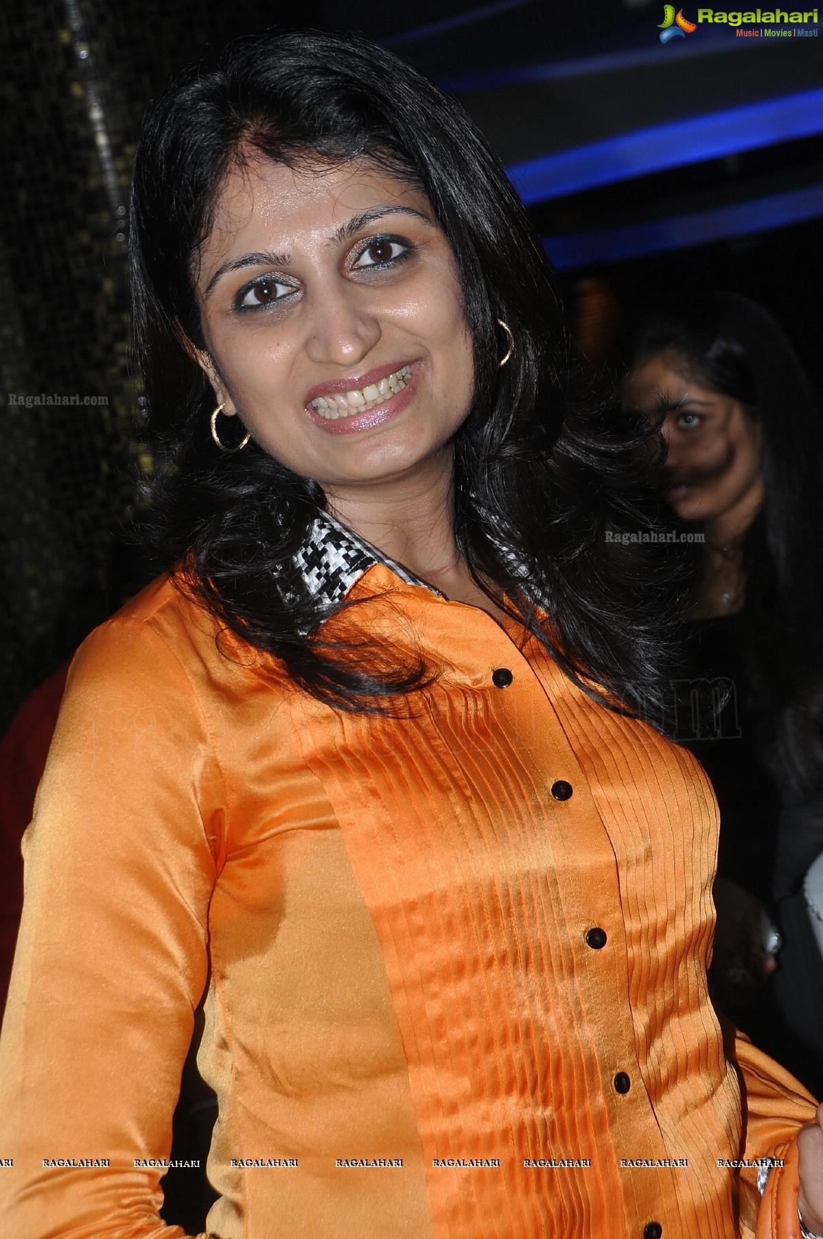 Indian Actresses Sweaty Armpits